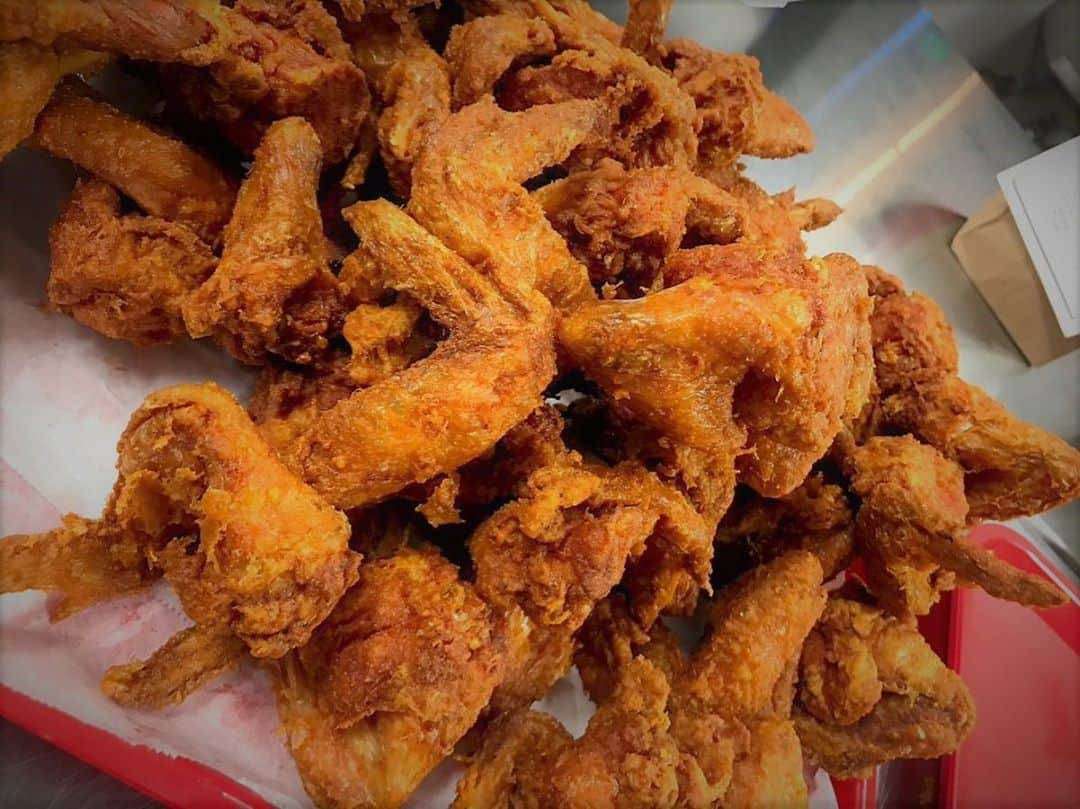 Gus's Fried Chicken friend wing platter